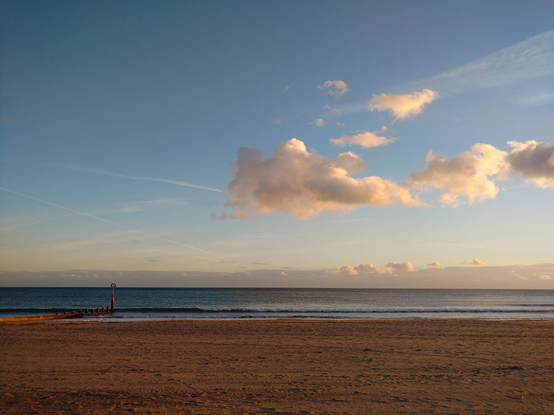 beach-horizon-bournemouth
