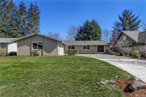 Rambler w/ Huge Backyard $830,000 Bellevue