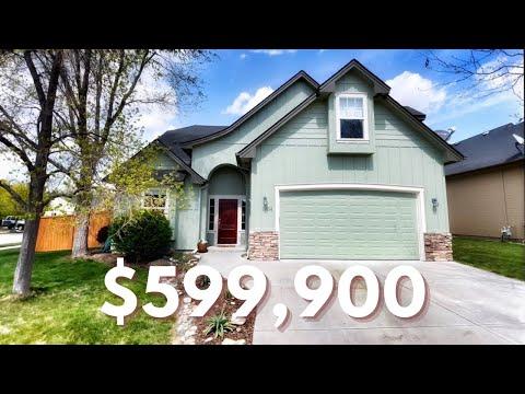 Inside a $599,900 Eagle Idaho Charming Home!