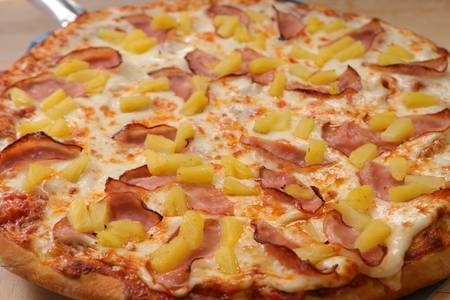 Hawaiian Delight Pizza from Aroma Pizza & Pasta in Lake Forest, CA