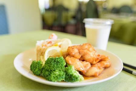 Lunch Lemon Chicken from Chia Shiang in Ann Arbor, MI