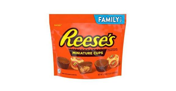Reese's Peanut Butter Cup Miniatures (19.75 oz) from CVS - SW Wanamaker Rd in Topeka, KS