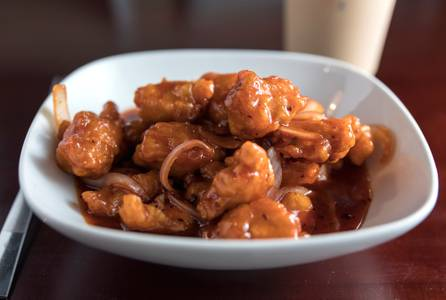 10. General Tso's Chicken (Lunch) from Jade Dragon Restaurant in Oshkosh, WI