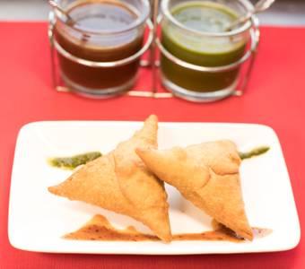 Chicken Samosa (2 PCS) from Star Of India Tandoori Restaurant in Los Angeles, CA
