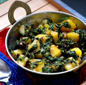 Lunch Saag Aloo (V) (GF) from Star Of India Tandoori Restaurant in Los Angeles, CA