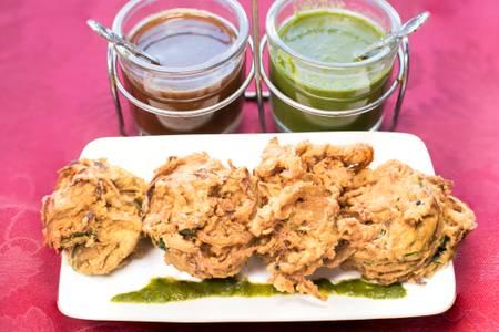 Onion Bhaji (2 PCS) from Star Of India Tandoori Restaurant in Los Angeles, CA
