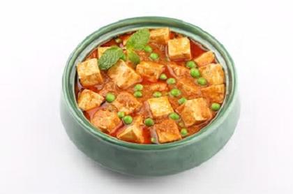 Tofu Matar (V) (GF) from Star Of India Tandoori Restaurant in Los Angeles, CA