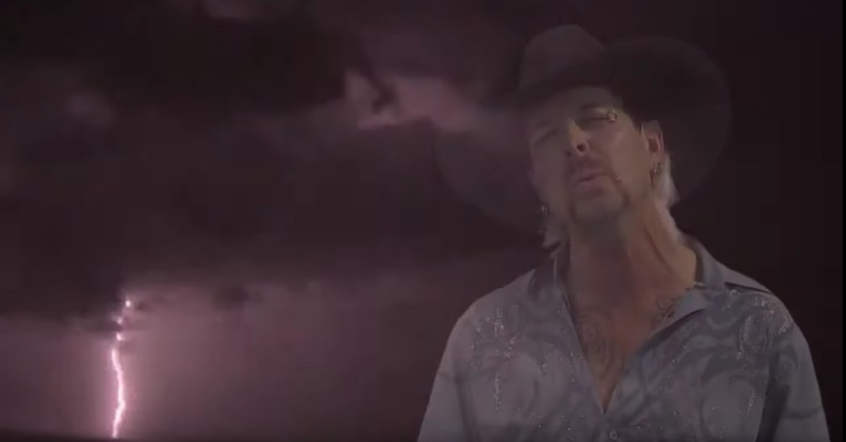 Joe Exotic in the music video for 'do you ever wonder what love could do'