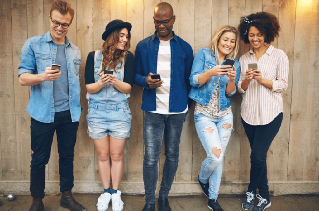 gen z and social media use on phones