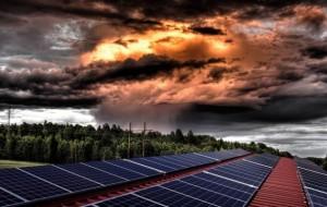 Producir energía solar en días lluviosos