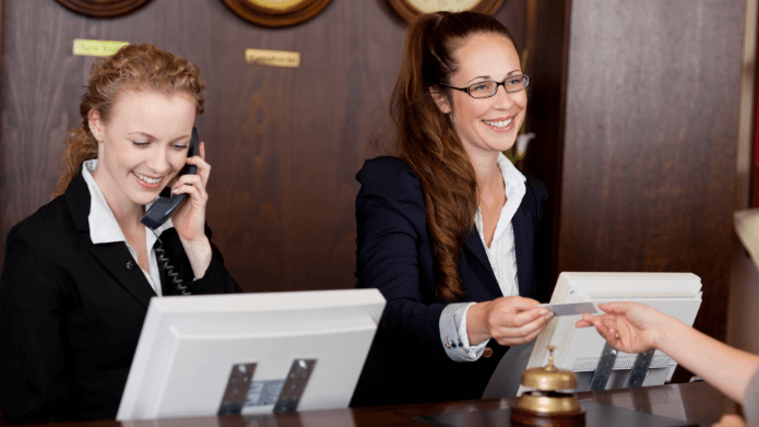 3 Ways Hotel Technology Can Boost Revenue at the Front Desk