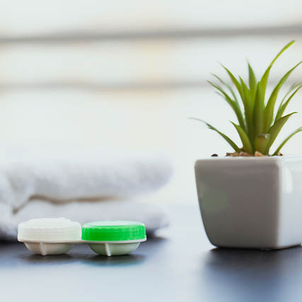 Contacts-Still-life-Ortho-k-Sqr