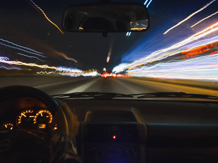 Night-Blindness-Driving-Issues-720x540