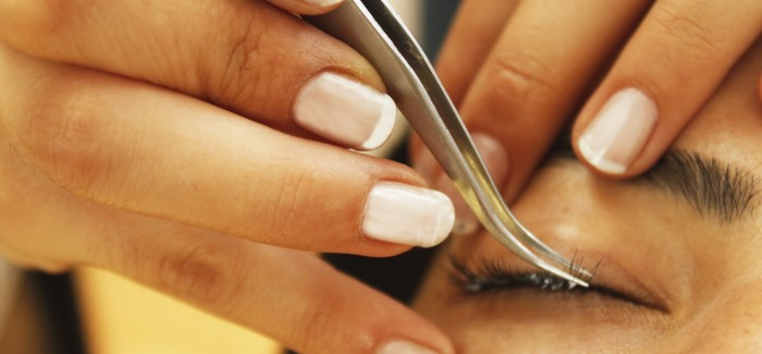 are-eyelash-extensions-safe-700x325