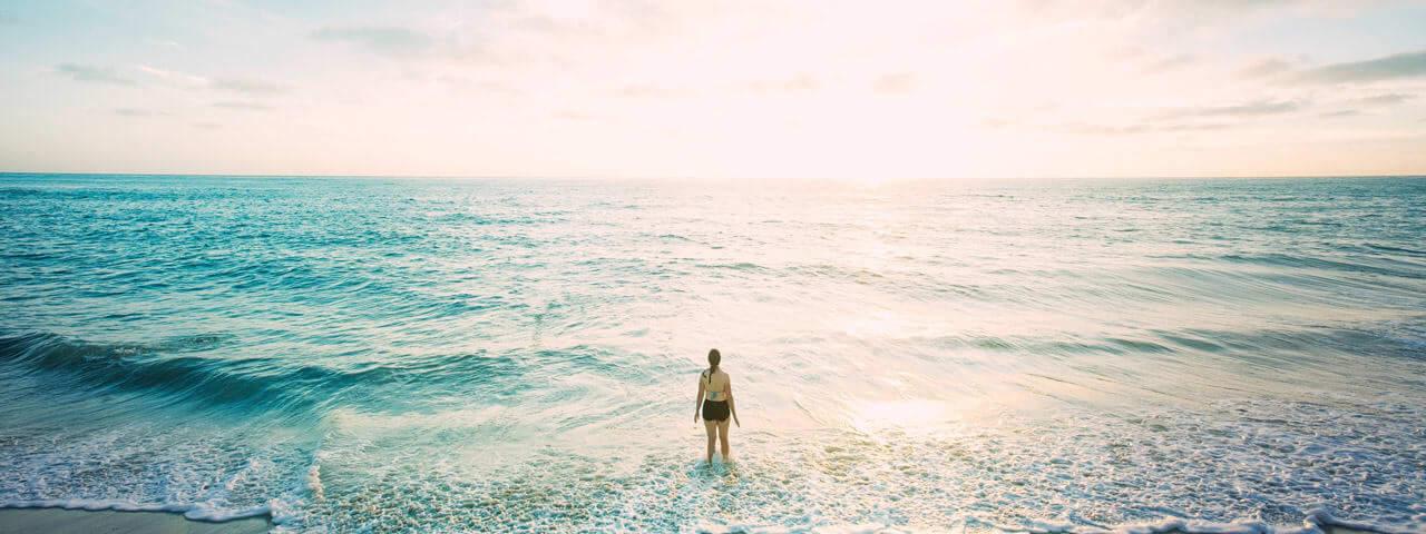 Beach-woman-centre