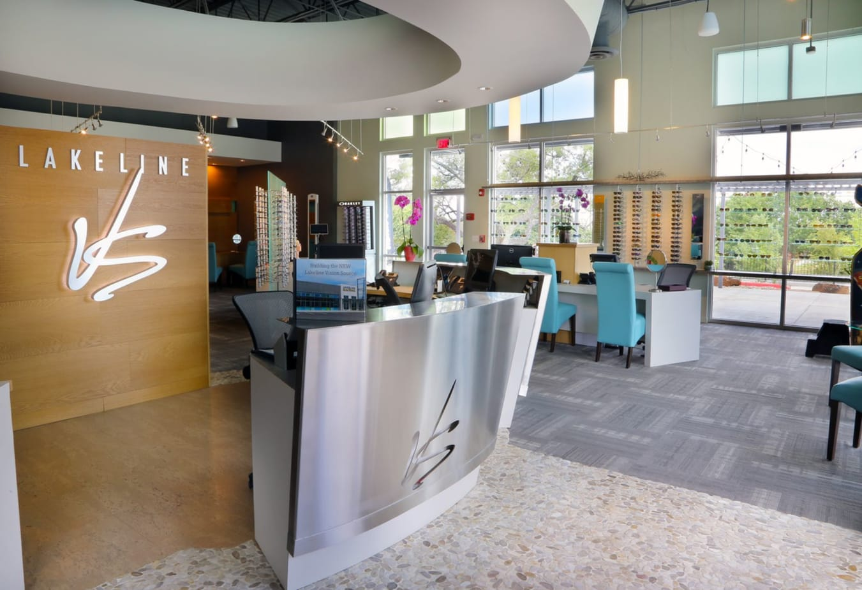 Reception-Desk-Eye-Care-Cedar-Park-Homepage-slide2_v3