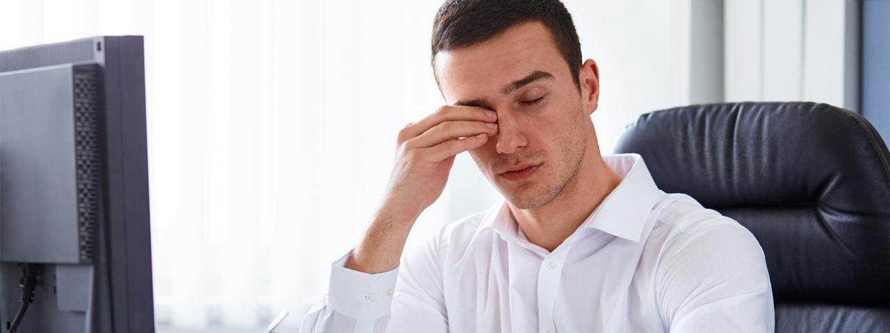 Man with dry eyes, Eye Doctor in Lantana, FL