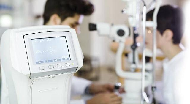 Machine for Contact Lens Eye Exams