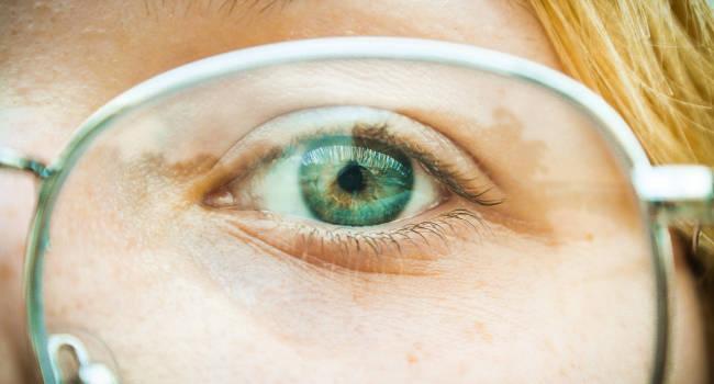 Eyelid-Pain-Stye-Eye-Doctor-720x540