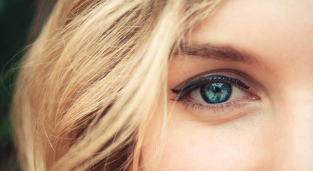 Woman with Blue eyes in Milton, Ontario