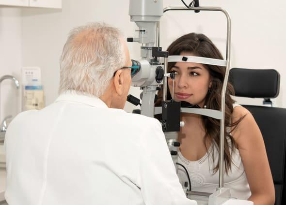 Eye doctor Briargrove TX