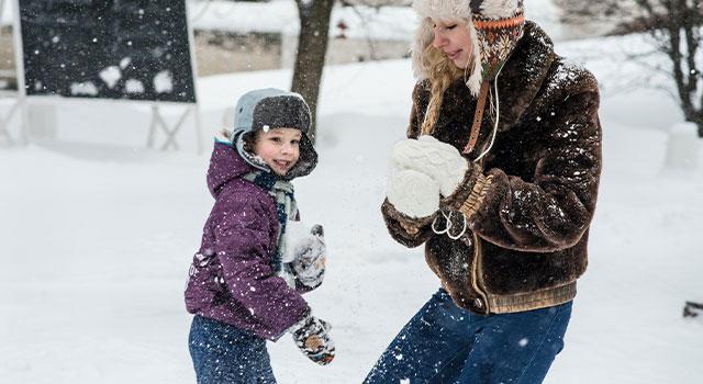 child-playing-snow-640