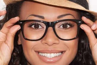 african american woman wearing eyeglasses