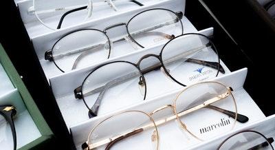 eyeglasses-eyesight-glass-items-1627639