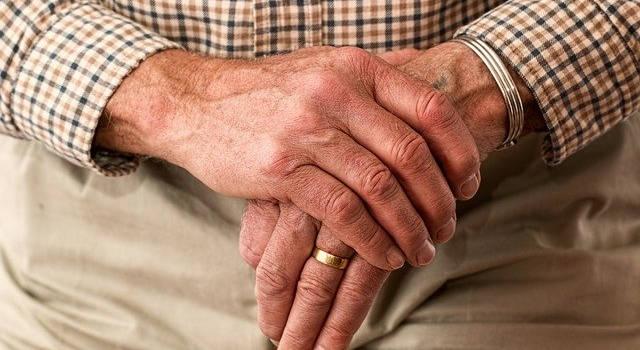 Parkinson%E2%80%99s-and-eye-care-640x350