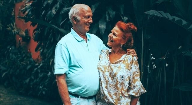 happy-senior-couple-640