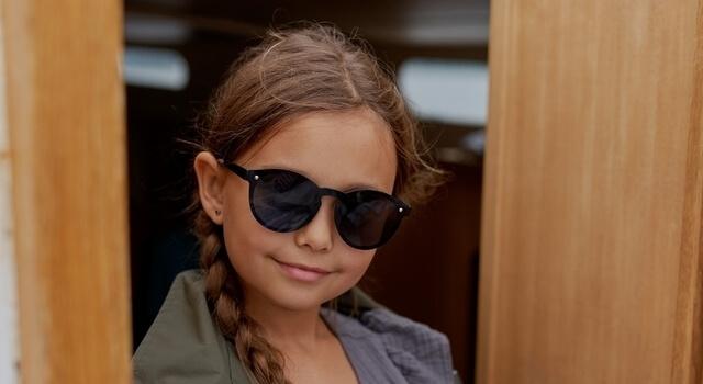 little-girl-wearing-sunglasses-640x350-1