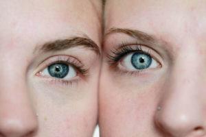 eyes blue women_1280x853 min 300x200