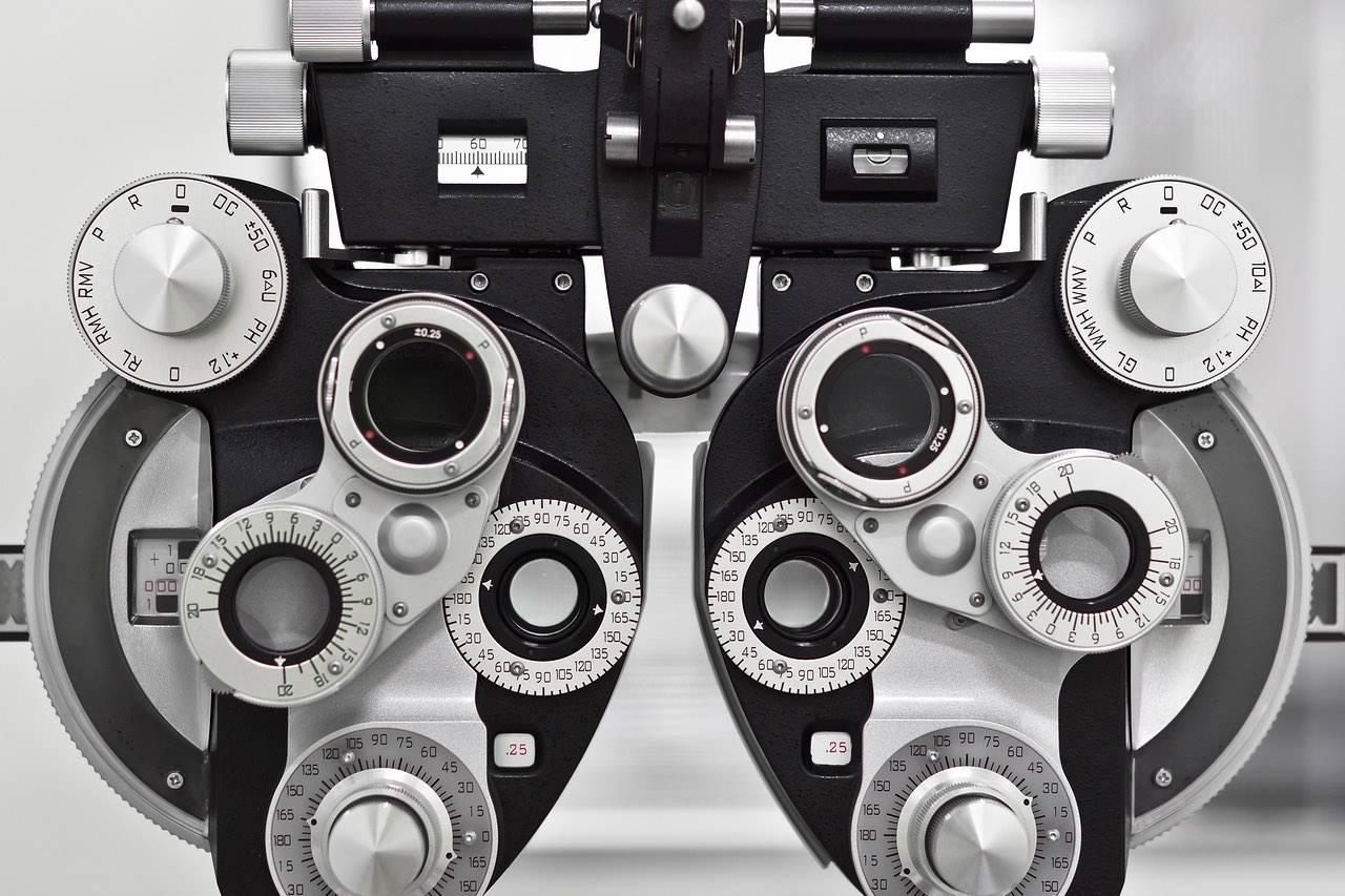 Advance Eye Care Technology, Phoropter