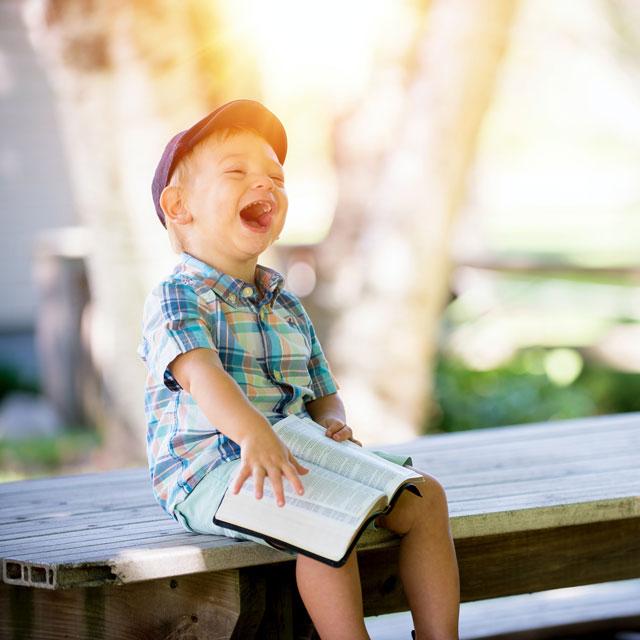 child-bench_640