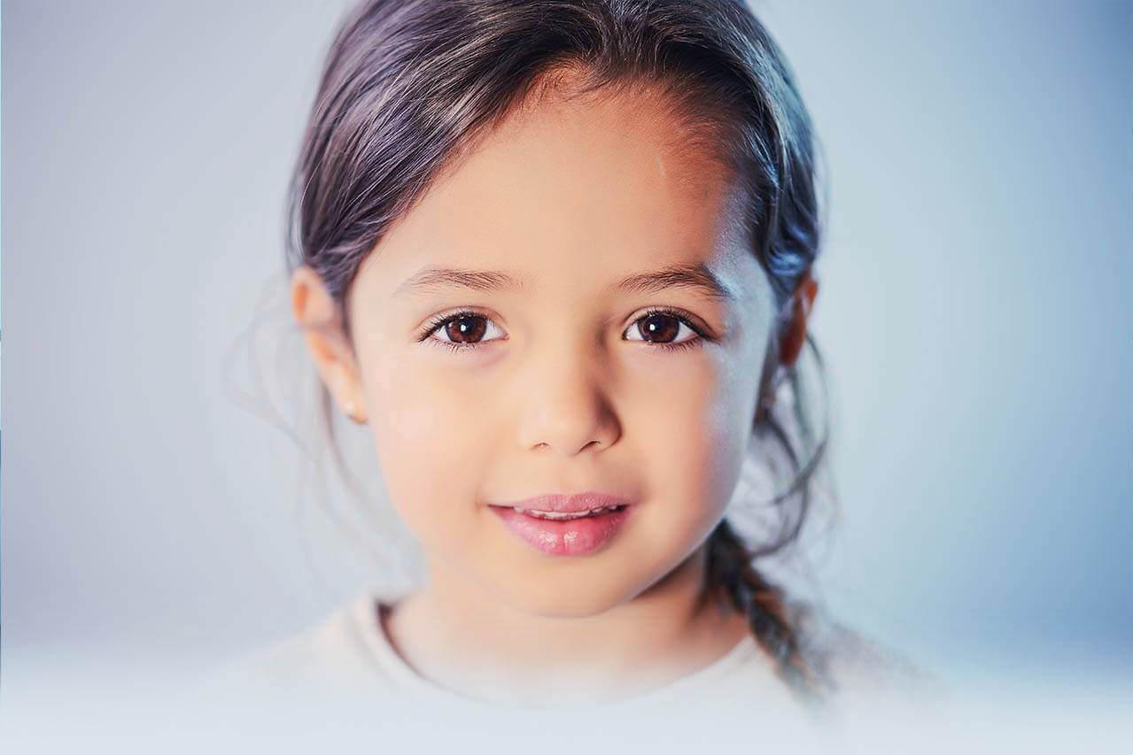 child girl brown eyes 1