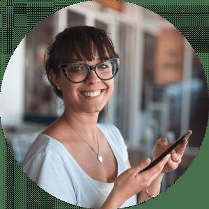 smile woman w phone