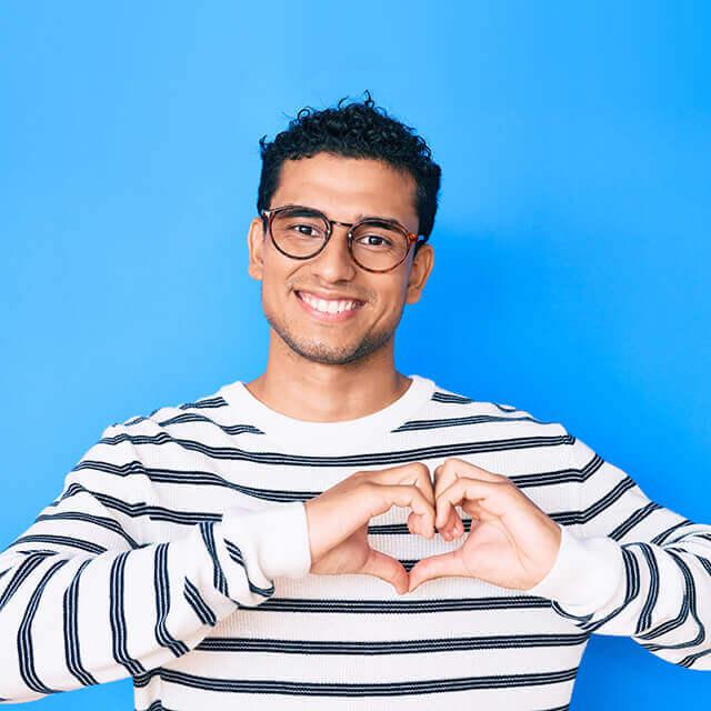 heart sign stripes studio glasses 1wh man 1off 640