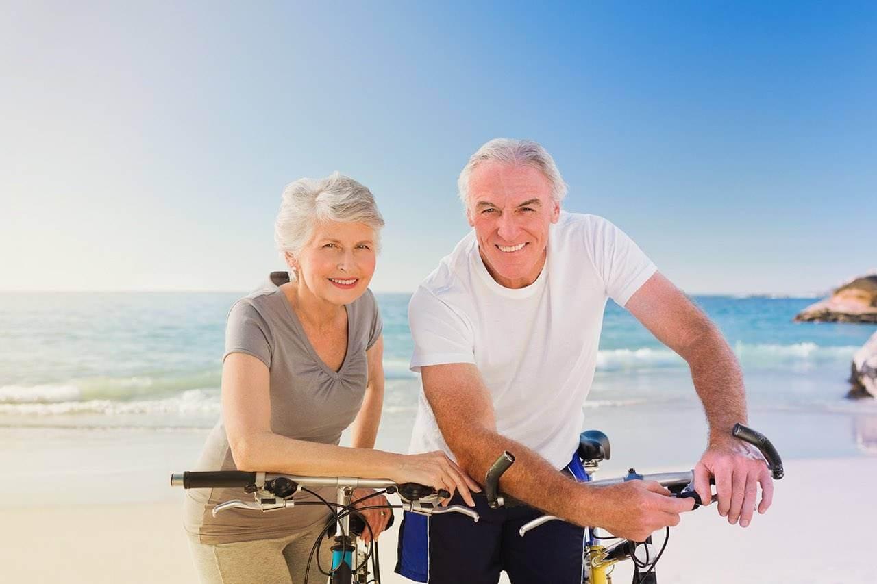 Elderly couple with good ocular health