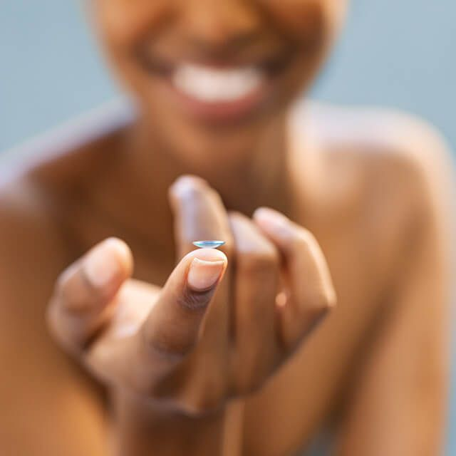 studio contact lense on finger ng 0bk woman 1off 640