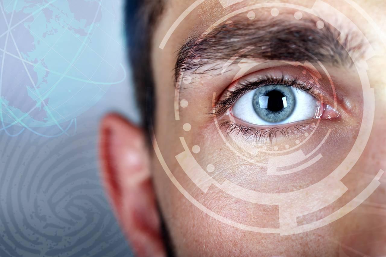 Eye doctor, eye-technology-male in Raleigh, NC