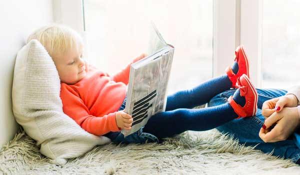 toddler-reading-book-1257105-1