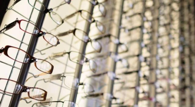 near-you-opticians-wall-of-eyeglasses-640x350