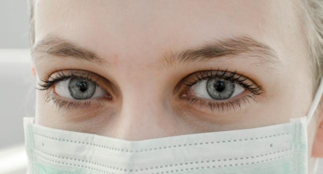 bladeless-lasik-eye-exam