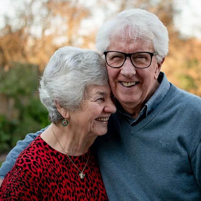 seniors-smiling_640