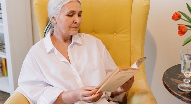 Senior-Woman-Reading-640x350-1
