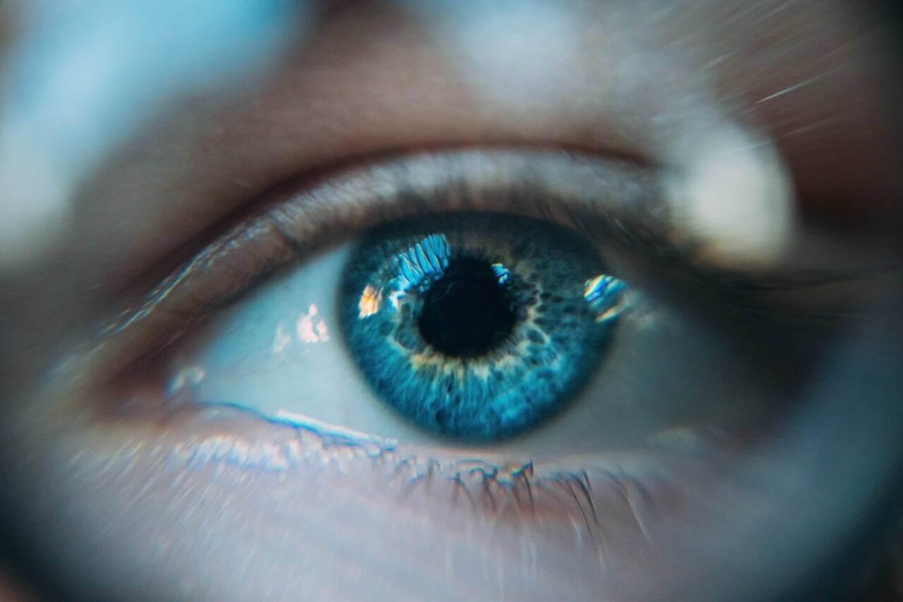 eye-blue-woman_1280x853