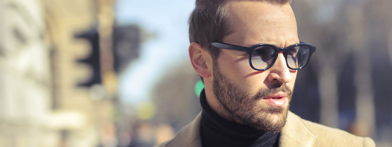Guy-Glasses-Serious-1280x480