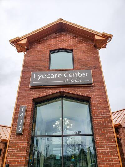 Eyecare Center of Salem front door