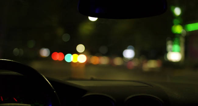 Driving-at-Night-with-Vision-Issues-650x350