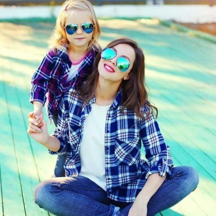 mother-and-daughter-wearing-sunglasses-640-427x427